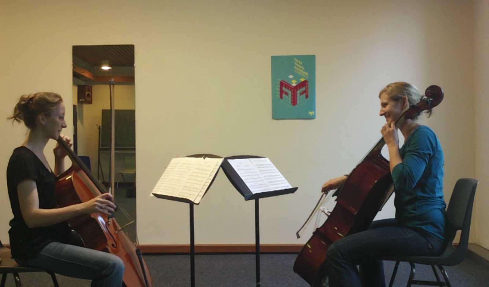 Private cello lesson at the conservatory